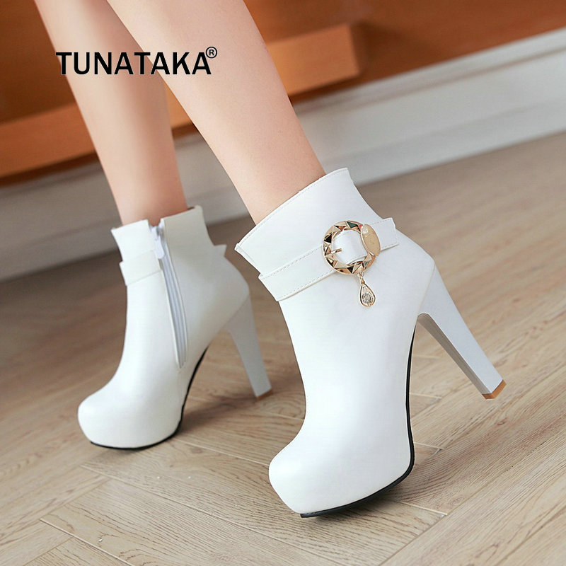 где купить Women Winter Fashion Platform Square High Heel Ankle Boots Side Zipper Round Toe Crystal Shoes Women Black Beige Pink White по лучшей цене