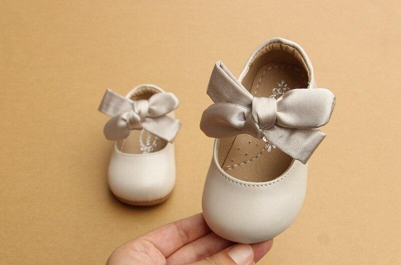 Estilo chinês Arco-Nó Sapatos Berço Carrinho de