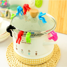 2pcs/lot Little Man Raising Pot Cover Silicone Spill-proof Anti-overflowing Tools Cell Phone Holder Cooking Tools 6 Colors