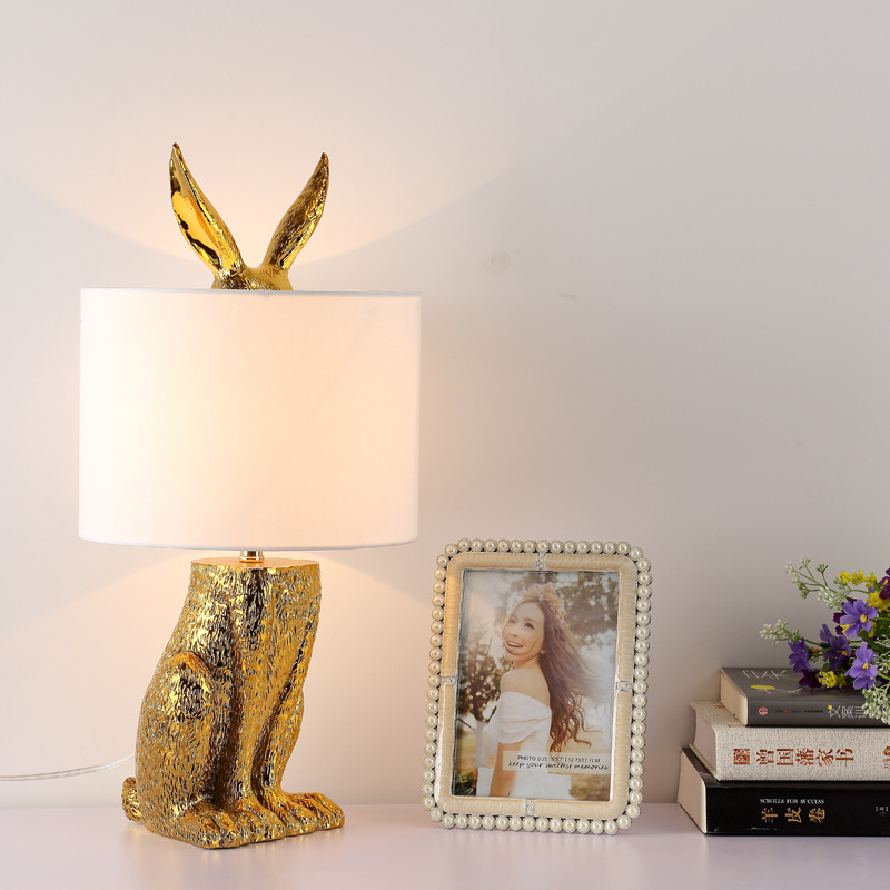 Fashion Creative Desk Lights Resin Rabbit Shaped Table Lamp Living Room Decoration Modern Indoor Lamp