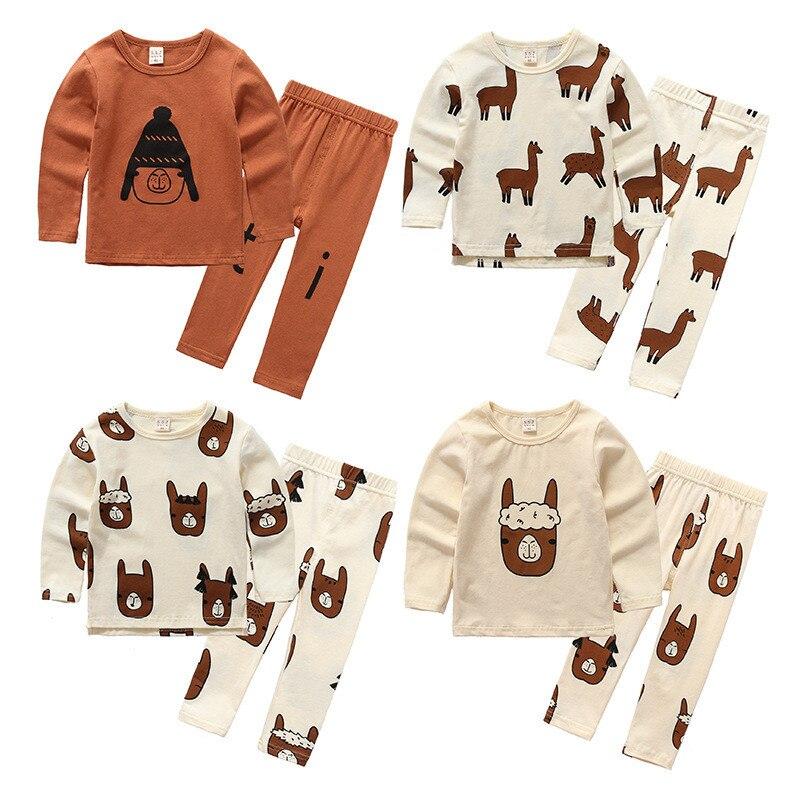 Algodones 2017 nuevos niños del otoño Set Animal Alpaca impresión niños/niñas duermen conjuntos pijamas del bebé niños moda ropa de diseño