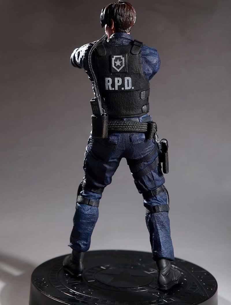 32cm oyun karakteri Leon S Kennedy PVC Figure koleksiyon Model oyuncaklar hediye