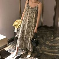 2019 Women Summer Sexy Backless Chiffon Dress Women Sleeveless Halter Spaghetti Strap Dress Lady Snake Print Slim Vestidos Z379