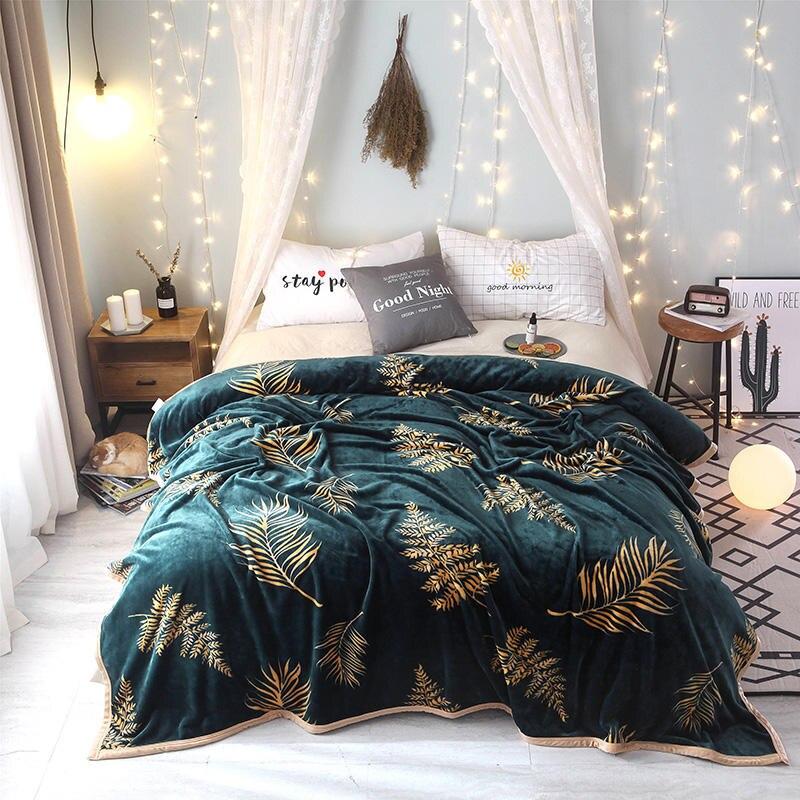 Horizontal Provision Blanket High Density Super Soft Flannel Bed For Sofa / Bed Sheet / Portable Bedspread / Travel /