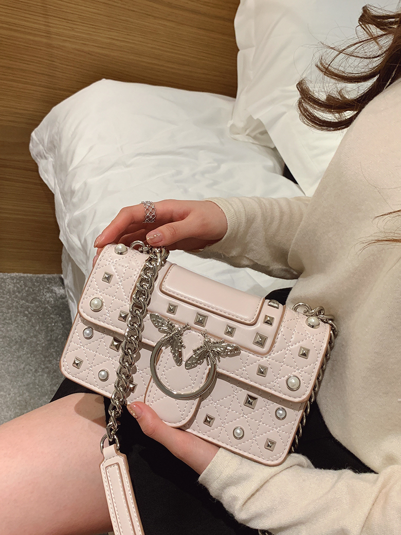 Fashion Crossbody Bag for Women Messenger Bags Luxury Chains Flap Bag Rivet Cute Swallow Girls Ladies Luis Vuiton gg HandbagsFashion Crossbody Bag for Women Messenger Bags Luxury Chains Flap Bag Rivet Cute Swallow Girls Ladies Luis Vuiton gg Handbags