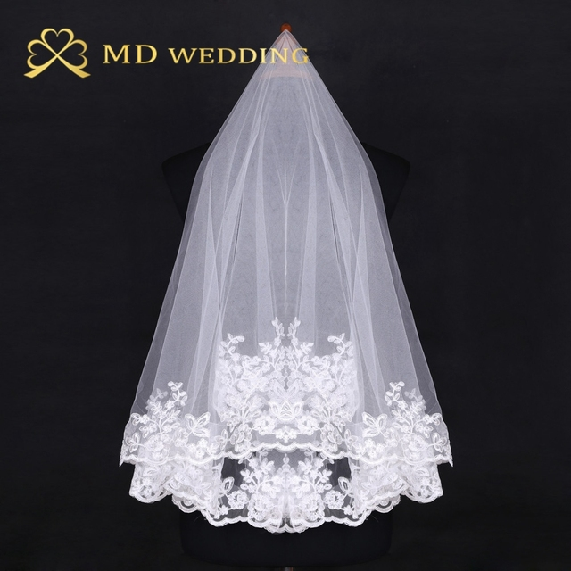 Free shipping Hot Sale 2015 Ivory Short Lace Appiqued 1.5m Wedding Bridal Veil With Comb Wedding Accessories MD3002