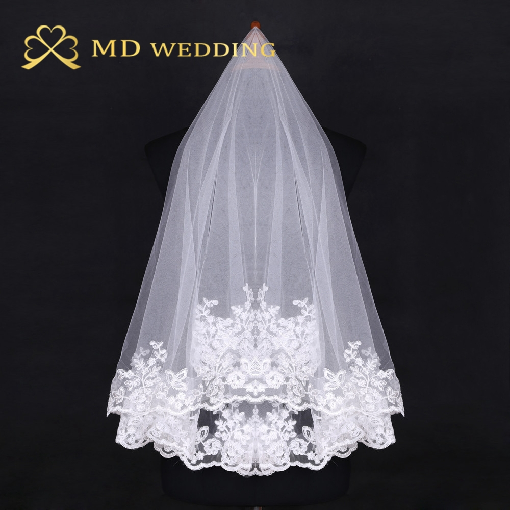 Free Shipping Hot Sale 2018 Ivory Short Lace Appiqued 0.8m Wedding Bridal Veil With Comb Wedding Accessories MD4012