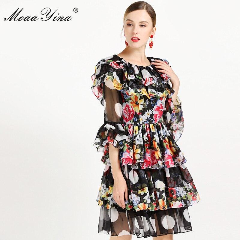 MoaaYina แฟชั่นชุดเดรสฤดูร้อนผู้หญิงแขนผีเสื้อ Backless Dot ดอกไม้ พิมพ์ Cascading Ruffle ชุดชีฟอง-ใน ชุดเดรส จาก เสื้อผ้าสตรี บน   3