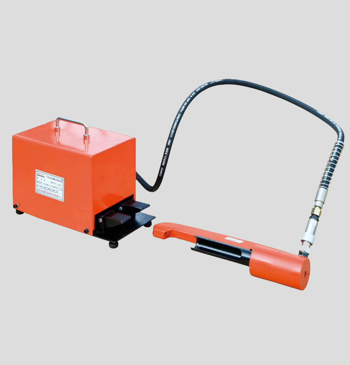 La Machine rouillée d'extracteur de vis pneumatique de grande puissance enlèvent des vis