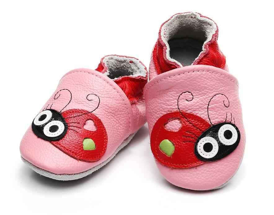 Prawdziwa skóra bydlęca zwierząt mokasyny dziecięce miękkie podeszwie małych dzieci niemowlę buty dla dzieci chłopcy dziewczęta noworodka buciki na boże narodzenie prezenty
