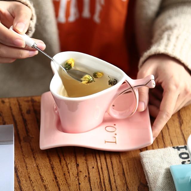 Creative Ceramic Porcelain Heart Figures Fashion Mug Couple Lover Milk Coffee Mug With Spoon With Tray Birthday Wedding Gift