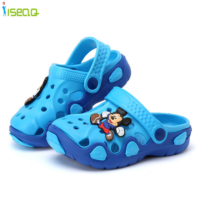 0c96b857e2e5 kids slippers girls and boys Children Cartoon Hole Shoes Wear Non-slip Baby  beach Sandals