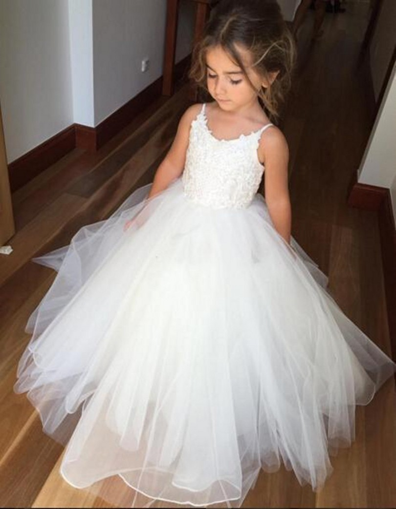 Lovely White Flower Girl Dresses Puffy Tulle First Communion Dress For Girls Spaghetti For Wedding Formal Party Gown