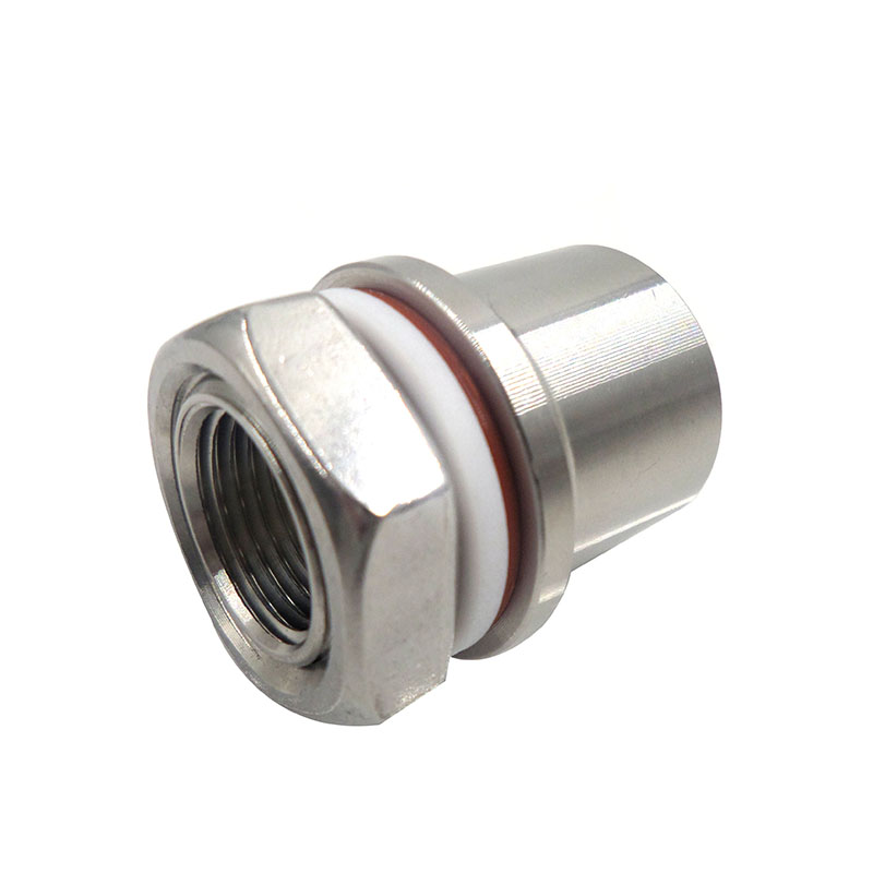 Stainless steel weldless bulkhead fitting for beer faucet