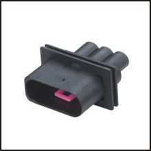 Electrical Equipment & Supplies>>Connectors & Terminals>>3-p