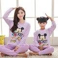 2017 Mommy and Me Pijama Mickey Roupas de Inverno Mãe e Filha Família Pijama Natal Luva Longa Das Meninas Pijama Fille