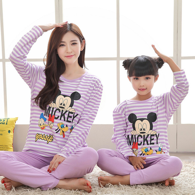 2017 Winter Mother and Daughter Pajamas Mickey Mommy and Me Clothes Family Christmas Pajamas Girls Long Sleeve Pyjamas Fille