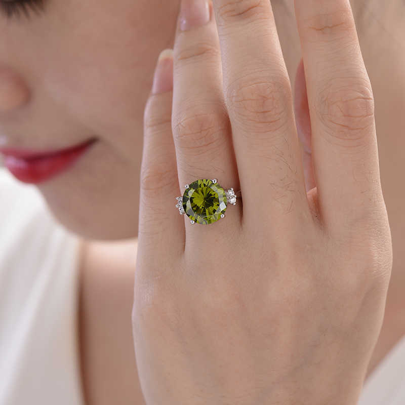 Rings For Women 2017 Silver 925 jewelry Solitaire Green Spinel Section Fine Jewelry Engagement Party for Girls Christmas Gift