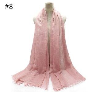 Image 3 - 特大無地女性スカーフファッション固体ビスコース綿タッセルカラーロングスカーフイスラム教徒基本ヒジャーブヘッドスカーフ 10 個高速配送