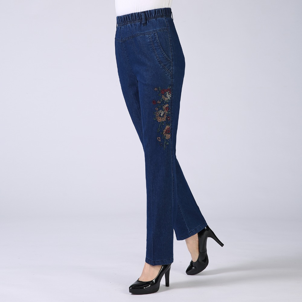 Middle Aged Women Blue Denim Pants Flower Embroidery Jeans Mature Women Elastic Waist Jeans Trousers Mother Bottoms Pantalones