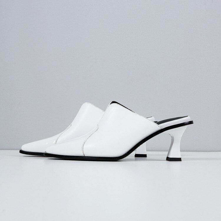 d1cd07a2926fa Verão Genuíno Alto Mulher De Sandálias Calçados Mulas Salto Sapatos Preto { zorssar} 2018 Chinelos Femininos Nova branco Couro ...