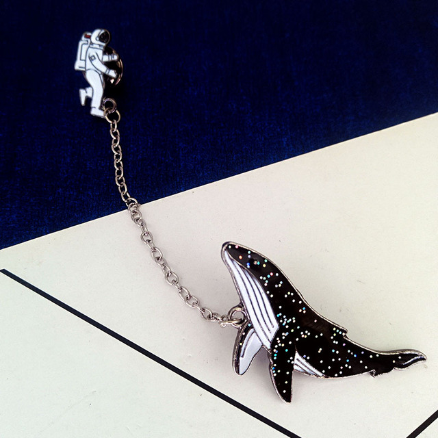 The new cosmic space whales cartoon badge xionghua metal alloy Clothing collar pin The astronaut drip brooch