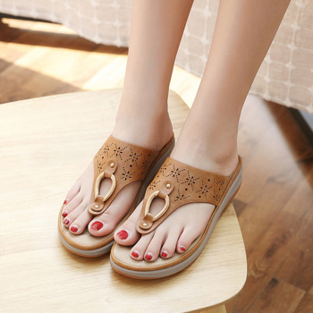 2020 Summer Women Slippers Thick Sole Flat Platform Shoes Flip Flops Women Beach Slippers Plus Size 42 A908 1