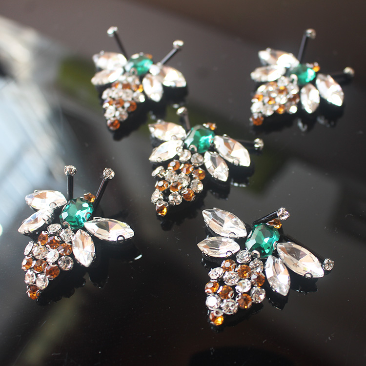 5Pcs/lot Bees Sequins Rhinestones Bead Brooch Patches Applique Sew on Beading Qpplique Clothes Shoes Bags Decoration Patch DIY ...