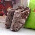 Moda Zapatillas de Algodón de Invierno 2016 de Las Mujeres y Los Hombres Caliente de la Felpa inicio Zapatilla Marrón antideslizante Piso Interior Femenina Zapato Rojo de Felpa zapato