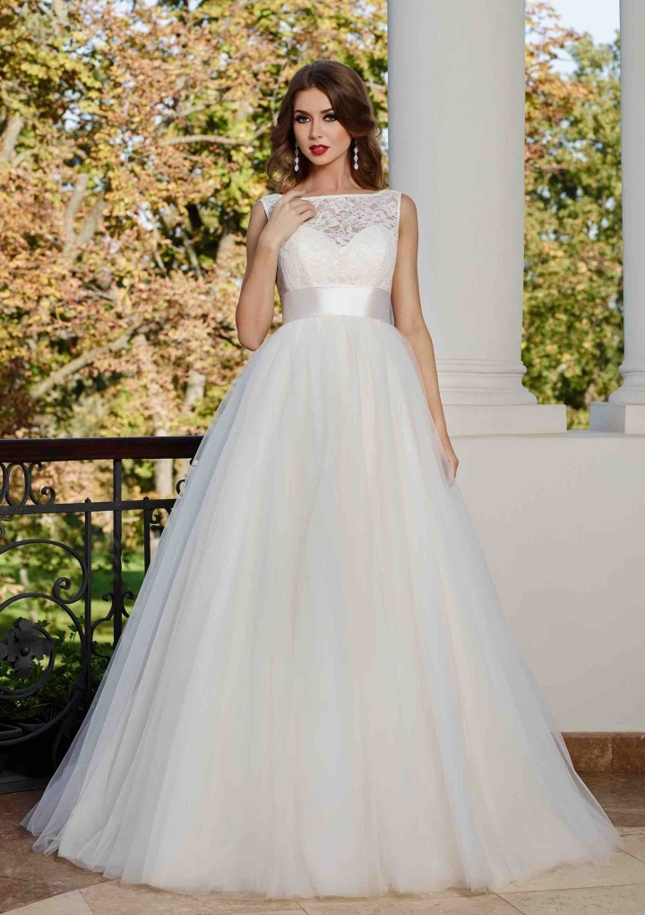 Unique Ball Gown Backless Boat Neckline Floor-leng...