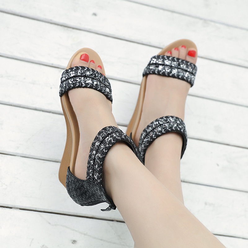 Siketu Zip Womens Beach Sandals Crystal High Heels Sandals Women Wedges  Women s Shoes 2018 New Rome Ladies Sandals Zapatos Mujer-in Middle Heels  from Shoes ... b1282bde9111
