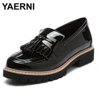 YAERNI 2017 New British Style Genuine Leather Tassel Round Toe Fashion Retro Casual Women Flats Shoes