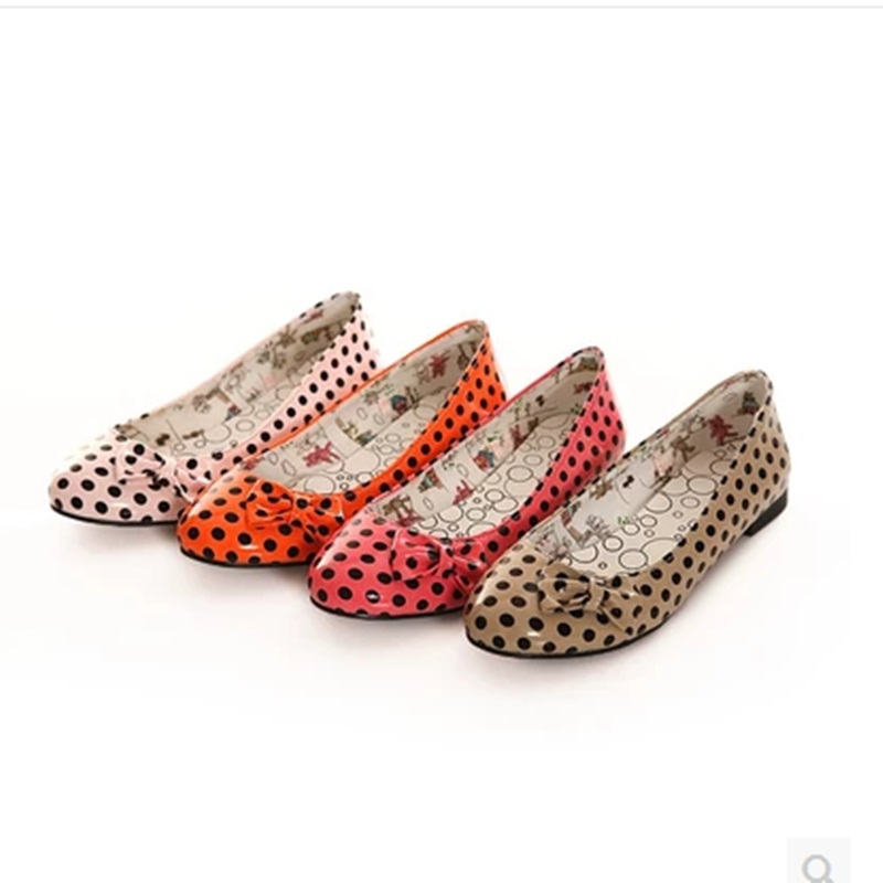 Women Bow Patent Leather Single Flat Shoes 2018 New Brand Polka Dot Round Toe Plus size 34-43 Lady Slip-On Driving Pregant Shoes lady glitter high fashion designer brand bow soft flock plus size 43 leisure pointed toe flats square heels single shoes slip on