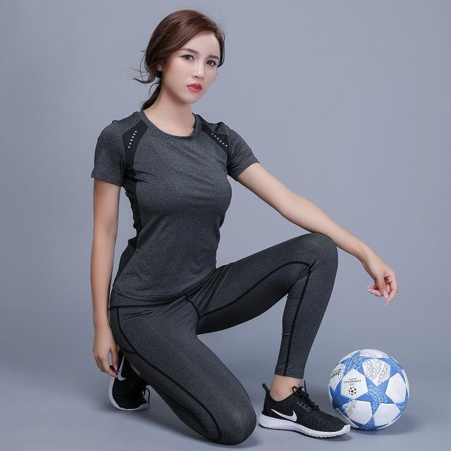 Sports T-Shirt and Leggings Set for Women