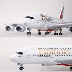 1/160 Schaal 45.5 cm Vliegtuig Model Airbus A380 EMIRATEN Luchtvaartmaatschappij Vliegtuigen Model met Licht & Wiel Diecast Plastic Hars Vliegtuig speelgoed