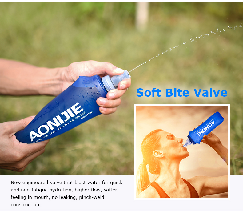 Foto of soft bite valve water's flask folding TPU for sport. Collapsible flask of water 500ml for hiking