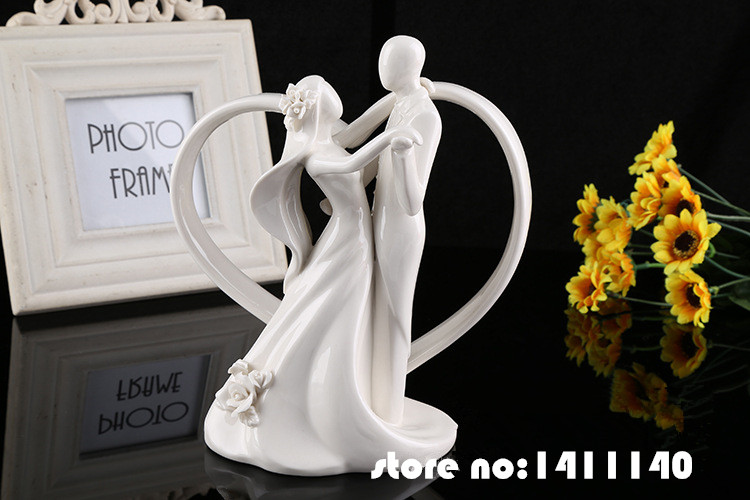 Wedding Statue Gifts: Dancing Bride And Groom Wedding Cake Topper Couple