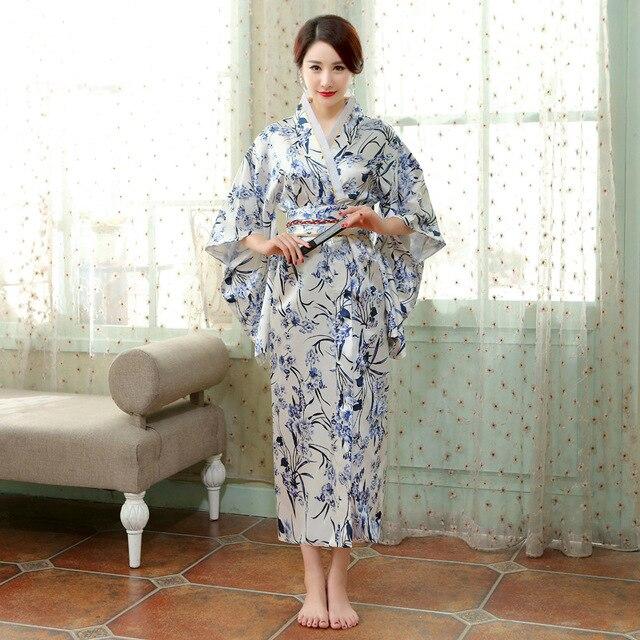 171b927b6 Kimono japonés tradicional de las mujeres elegante vestido japonés antiguo  Anime ropa Cosplay parte de Asia