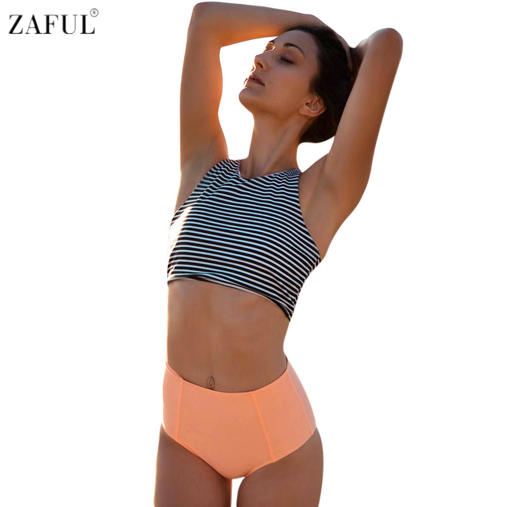 A simple knotted bikini top with frill sleeves and matching high-waisted bottoms makes for an easy transitional piece from the beach to the bar.
