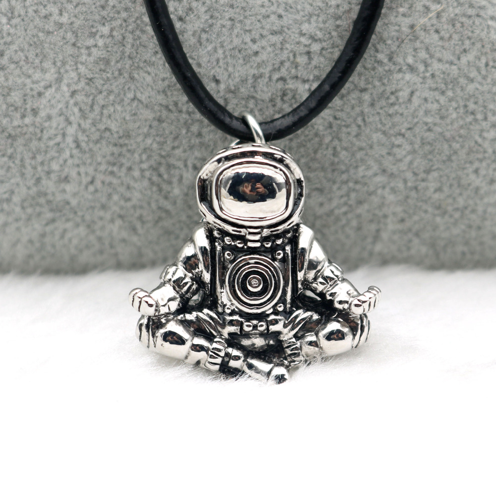 Spaceman Necklace Meditation Astronaut Pendant Universe Cosmic Nebula Real Black Leather Rope Chains Men Women Necklace faux leather rope vintage necklace