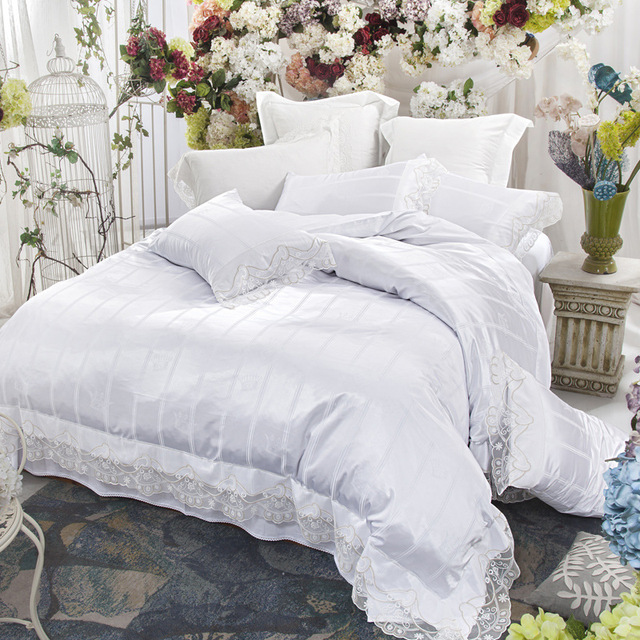 US $90.04 39% OFF|Lace White Bedding set Queen King size Bed set Pink Green  princess girls Bed sheet set duvet cover set bedlinens pillowcase-in ...