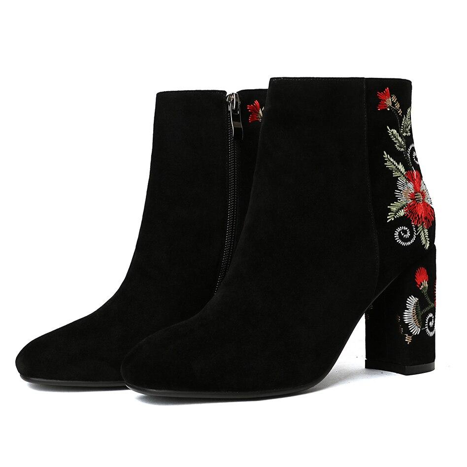 Cm 43 Bout Pointu Talons 8 Bottes Chaussures Taille 2019 Mode Fleurs Ethniques Courtes Black De Épais Femmes Zipper Grande D'hiver Bottines jS4Ac35LqR