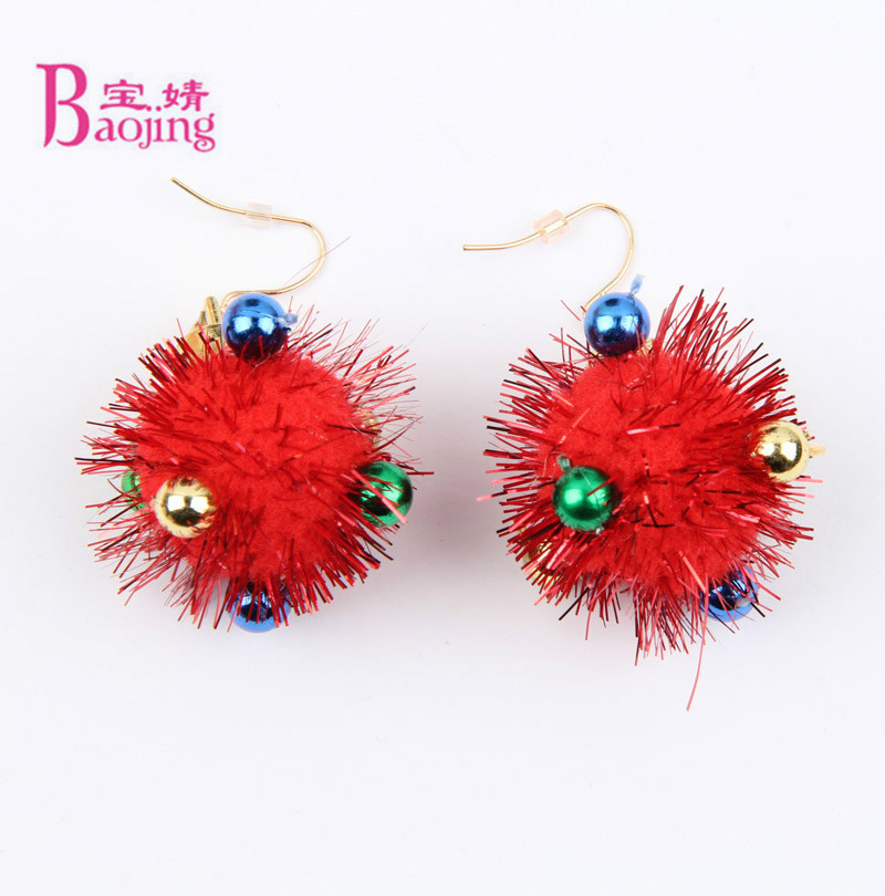 Fashion Balls Pompom Christmas Earrings for Women Trend Red Round Earrings 2017 Dangle Earrings Ethnic Jewelry Costume Jewelery