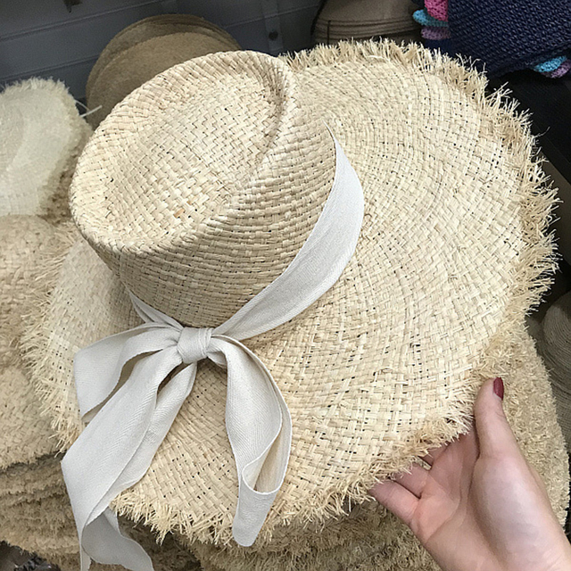 f0d9521c FGHGF Women Sun Hats Flat Top Beach Hat Wide Brim Raffia Straw Hat Elegant  Summer Boater Hat Cap with Long Silk Wind Rope Derby
