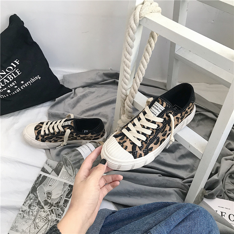 Spring Women Canvas Shoes Leopard Lace Up Lady Sneakers 2019 Flat Heel Thick Canvas Tiger Ins Hot Selling Fashion Shoes 35-40