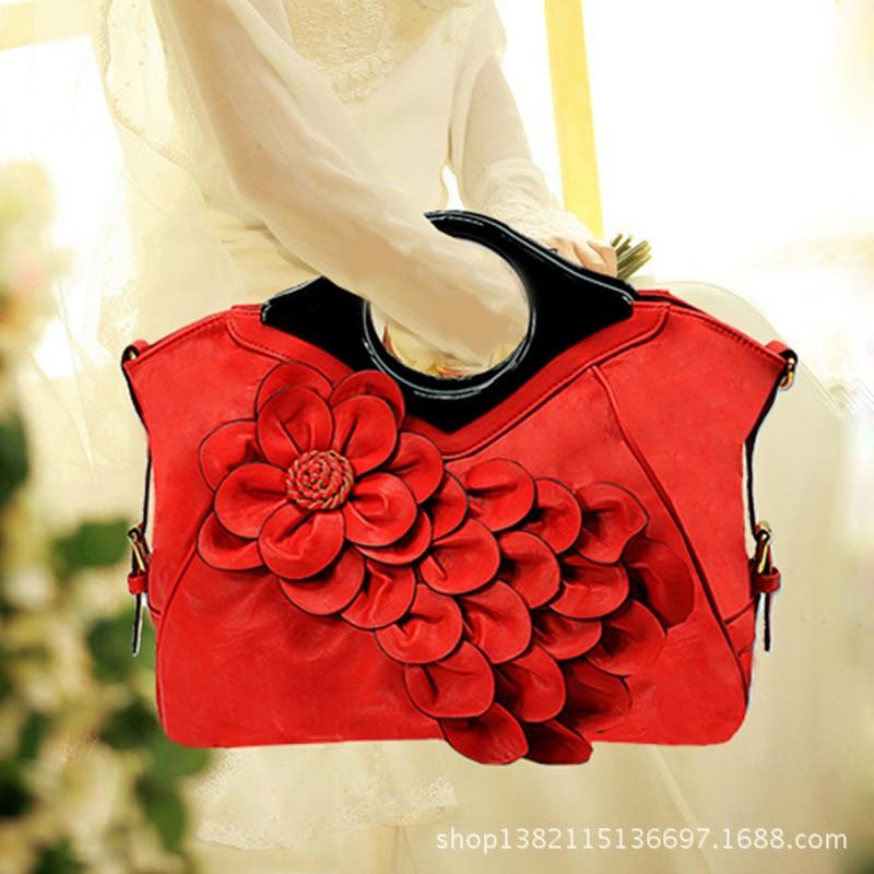 Guangzhou peacock flower woman bag lady portable oblique pink bag, messenger bag fashion
