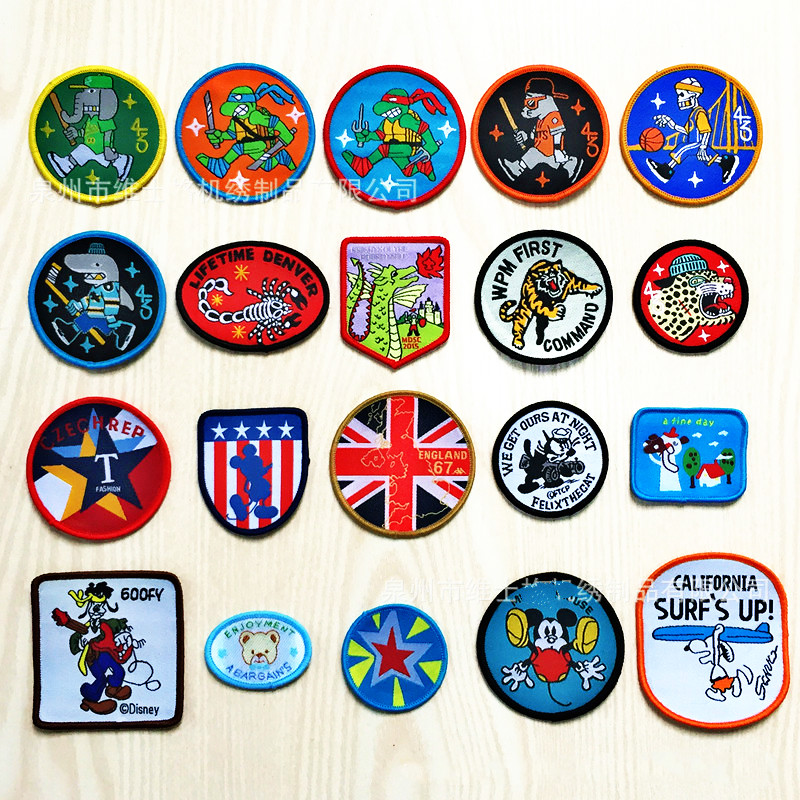 100 PCS/LOT FUNNY CARTOON Patches for BIKER KIDS CLOTHES Sewing Accessories ART DIY Scrapbook HOME DECOR