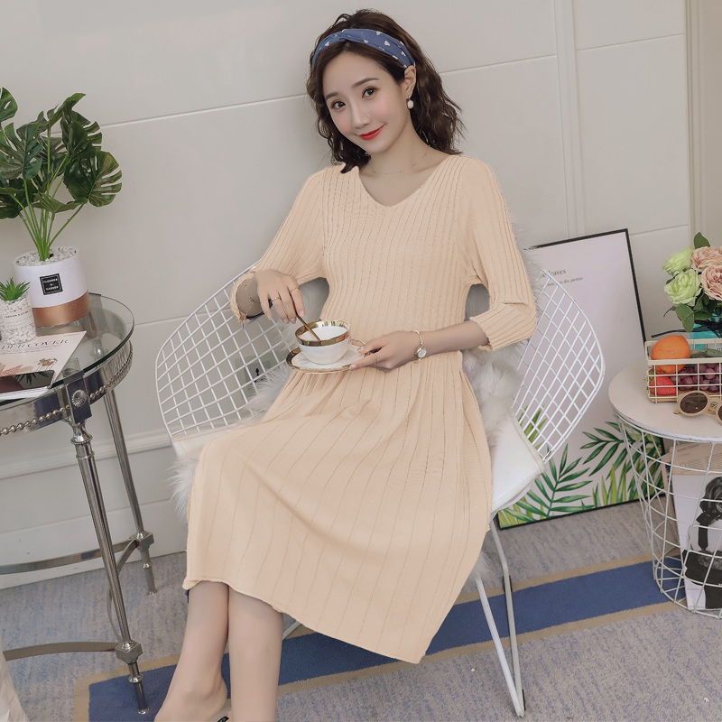 2019 summer new ice silk knit pleated pregnant dress Korean fashion short-sleeved V-neck loose pregnancy skirt2019 summer new ice silk knit pleated pregnant dress Korean fashion short-sleeved V-neck loose pregnancy skirt