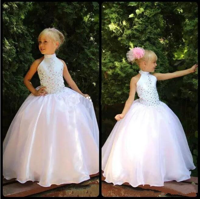 цена White Halter Girls Pageant Dresses Top With Beaded Crystal Ball Gowns Organza Flower Girls Dresses Princess Birthday Party Gowns