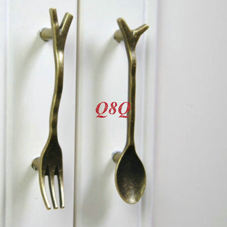 Lovely 2x Bronze Spoon Knife Fork Kitchen Cabinet Drawer Handles Cupboard Closet  Knobs Vintage Furniture Accessory Handle Dresser Pulls In Cabinet Pulls  From Home ...